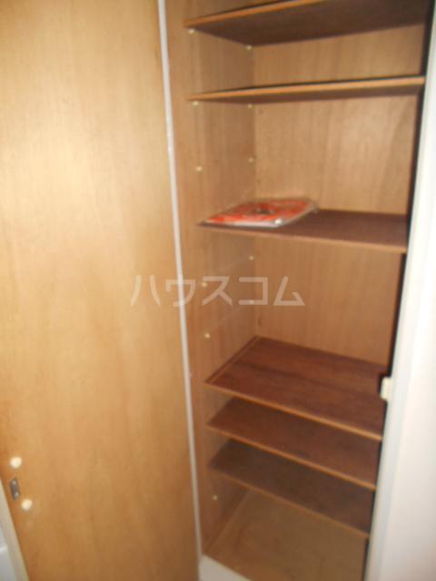 ウィンド聖蹟桜ヶ丘 508号室の収納