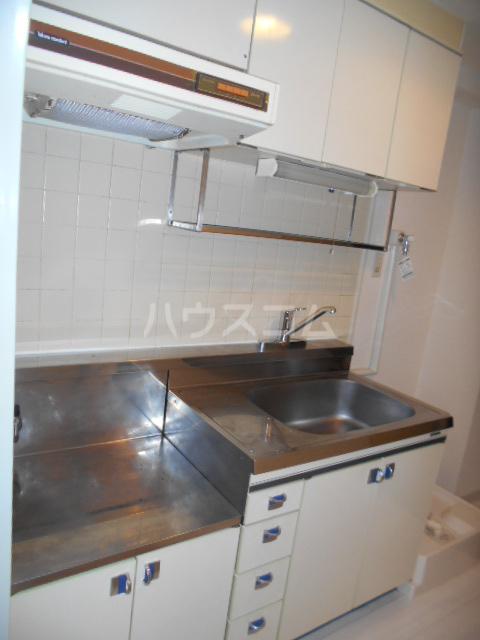 ウィンド聖蹟桜ヶ丘 508号室のキッチン