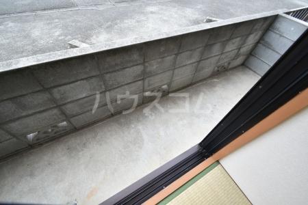 ハイメゾン桜ヶ丘 102号室の居室