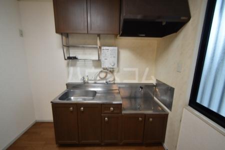ハイメゾン桜ヶ丘 102号室のキッチン