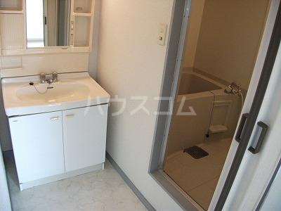 コーポ青木第5 202号室の洗面所