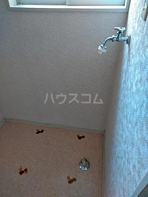 シャトル 102号室の洗面所