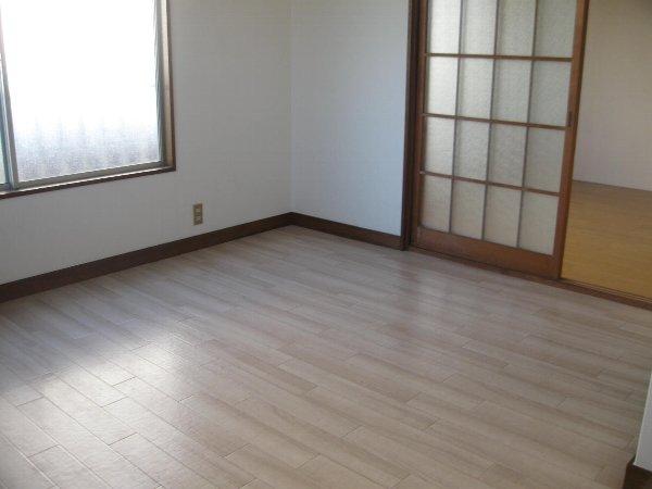 コーポ光和 202号室の居室