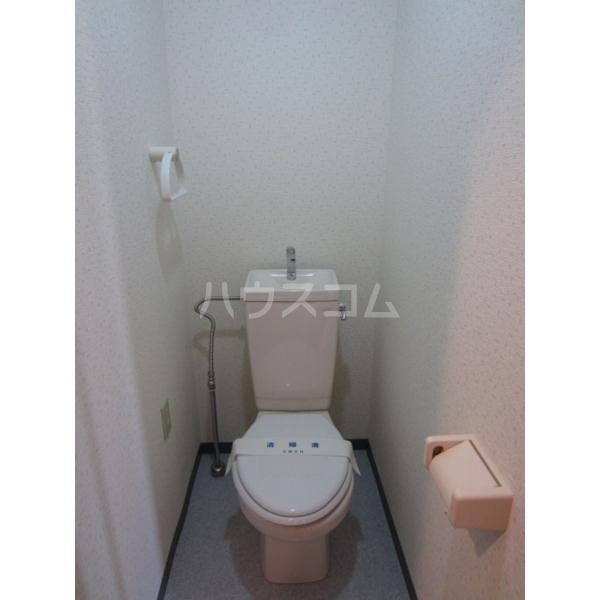 セトール高幡 301号室のトイレ