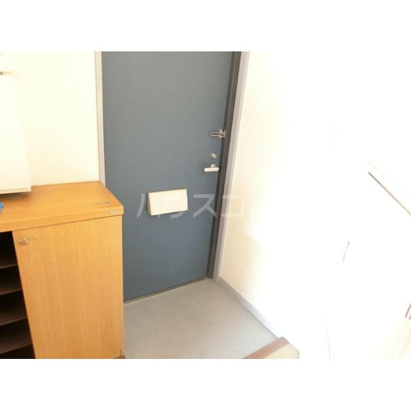セトール高幡 301号室の玄関