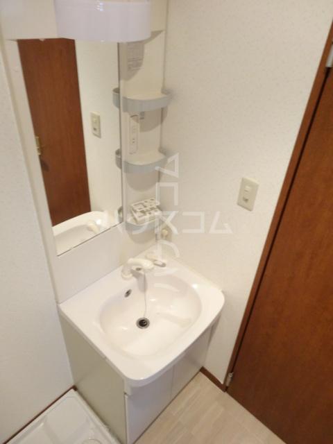 メゾン苺 102号室の洗面所