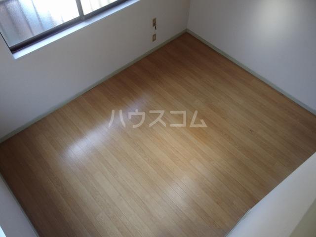 ヴィラ桜ヶ丘 203号室の居室