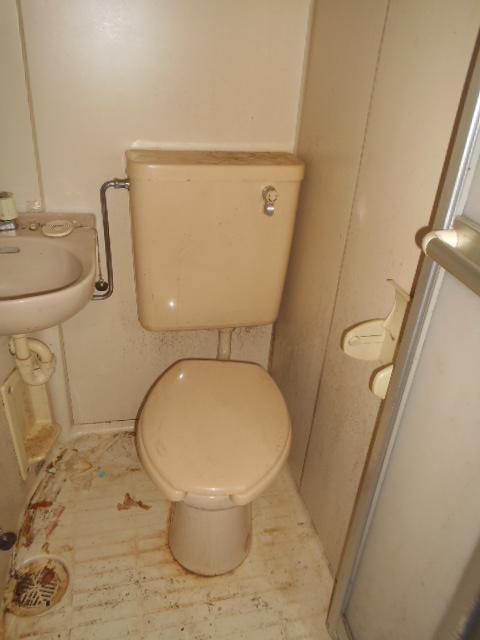 ハイツ秀峰 106号室のトイレ