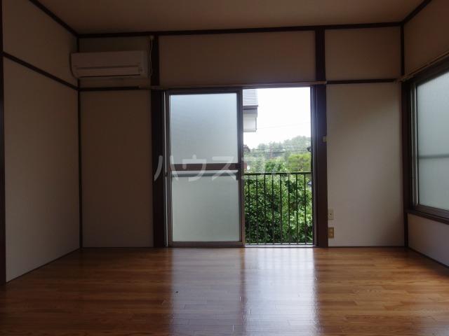 コーポ吉田 202号室の居室
