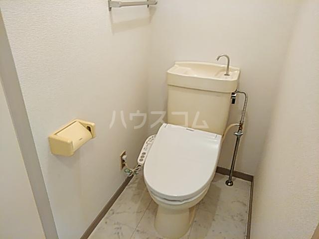 ロイヤルハウス喜多山 302号室のトイレ