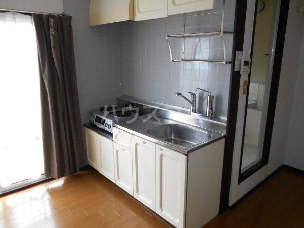 サンヴィレッジ B101号室のキッチン