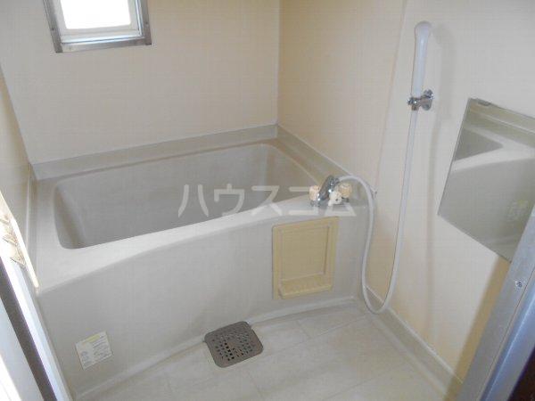サンヴィレッジ B101号室の風呂