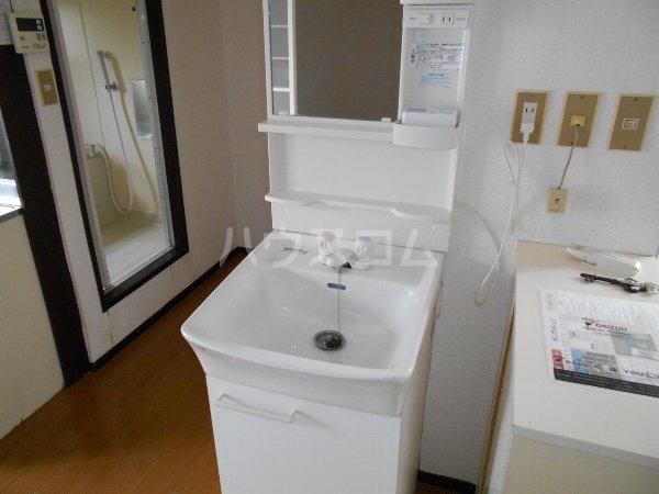 サンヴィレッジ B101号室の洗面所