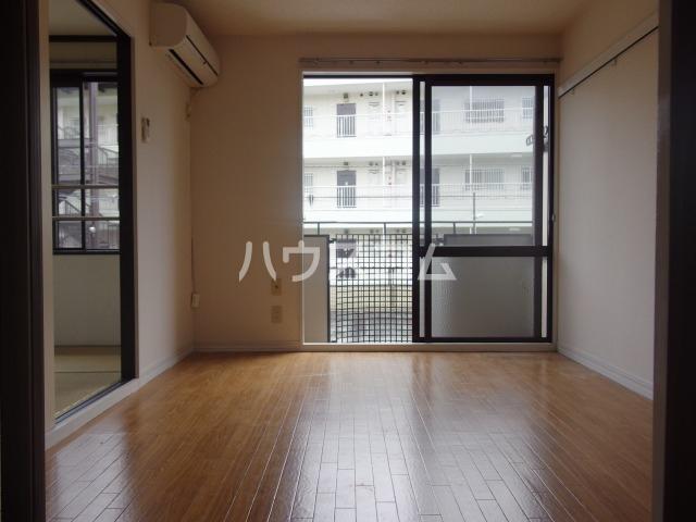 スパローハイムA 102号室の居室