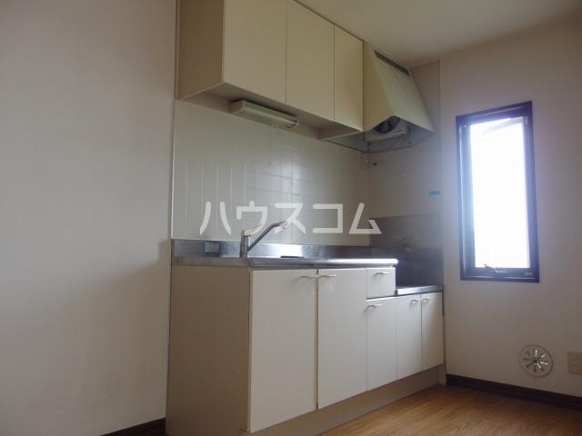 スパローハイムA 102号室のキッチン