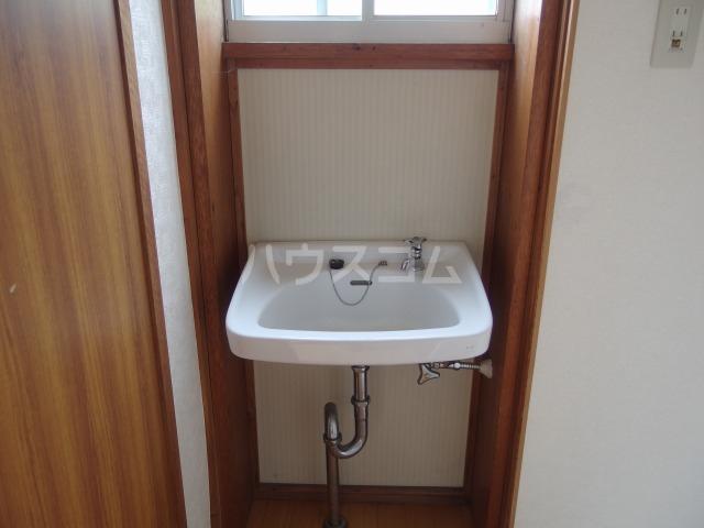 ドマーニ貸家の洗面所