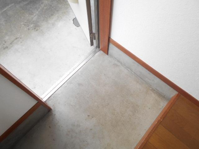 美里ハウスせいせき H号室の玄関