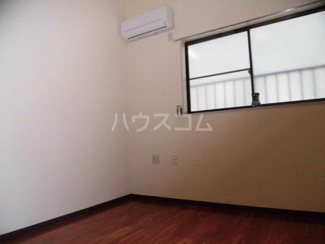 エステート丸山 102号室の居室