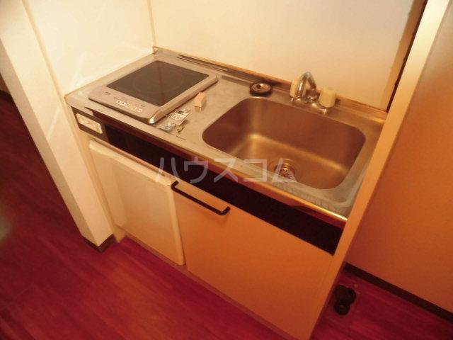 エステート丸山 102号室のキッチン