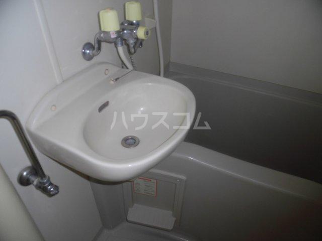 細貝友光会館 218号室の洗面所