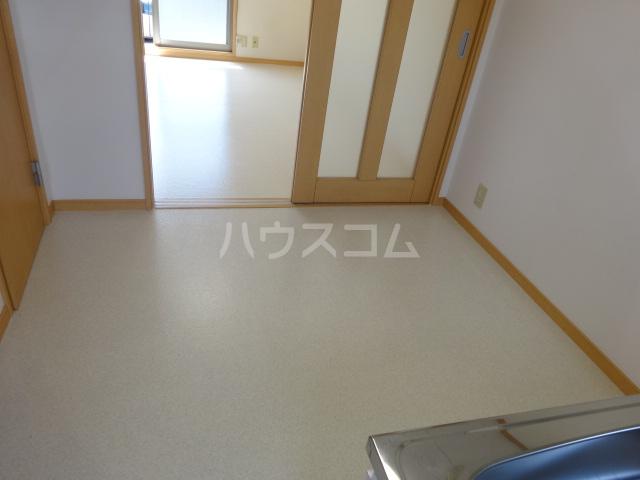 百草ハイツ 202号室の居室