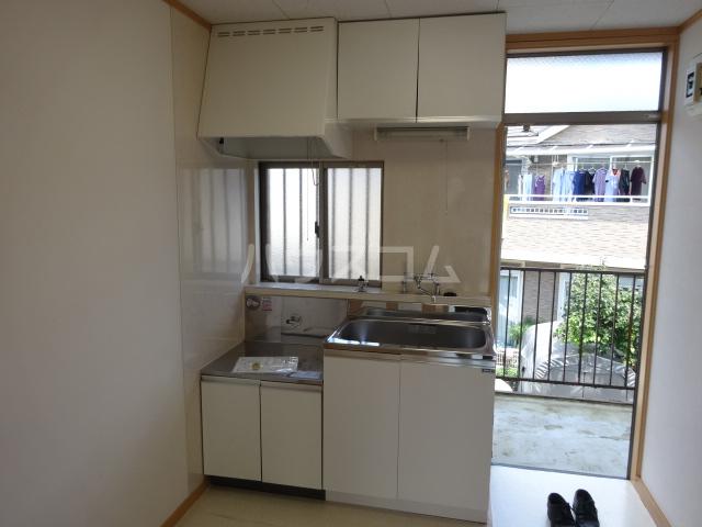 百草ハイツ 202号室のキッチン