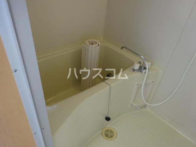 百草ハイツ 202号室の風呂