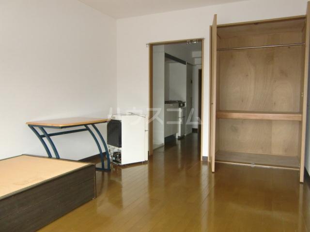 アーバンスクエアーRビル 206号室の居室