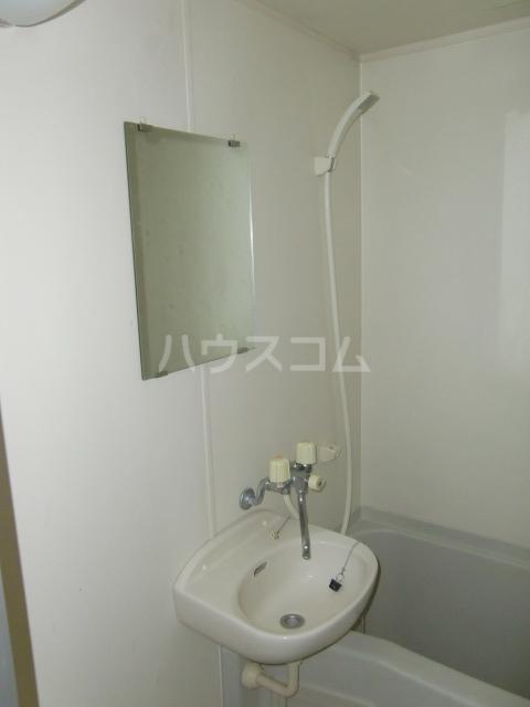 アーバンスクエアーRビル 206号室の洗面所