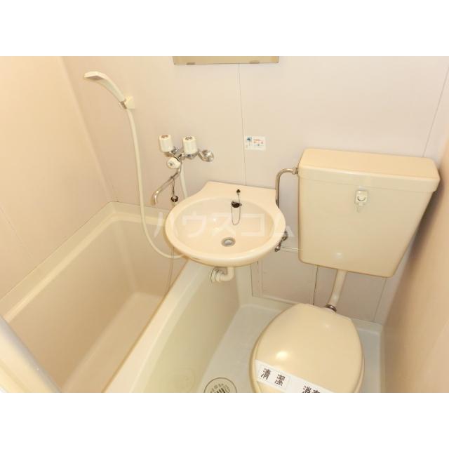 メゾン・ド・ラフィーネ 105号室の風呂