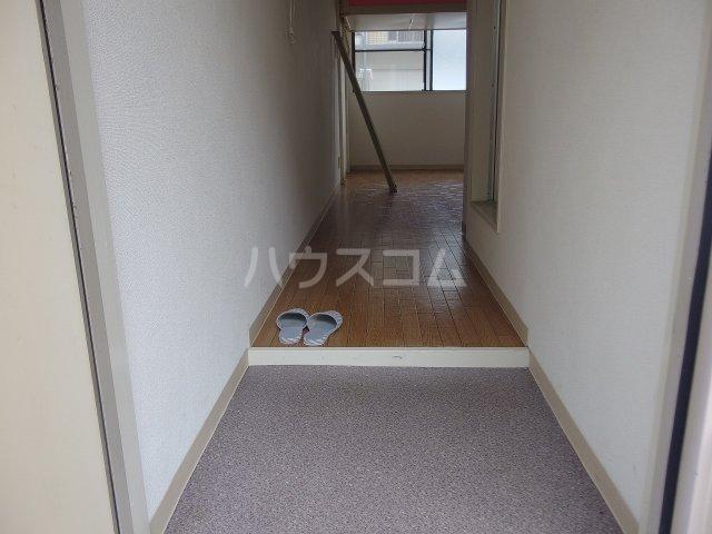 ドリームマンション 102号室の玄関
