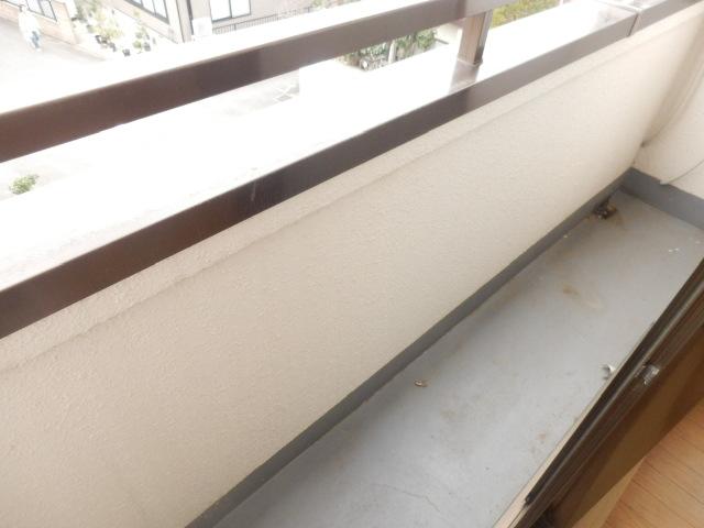 ミユキコーポ 305号室のバルコニー