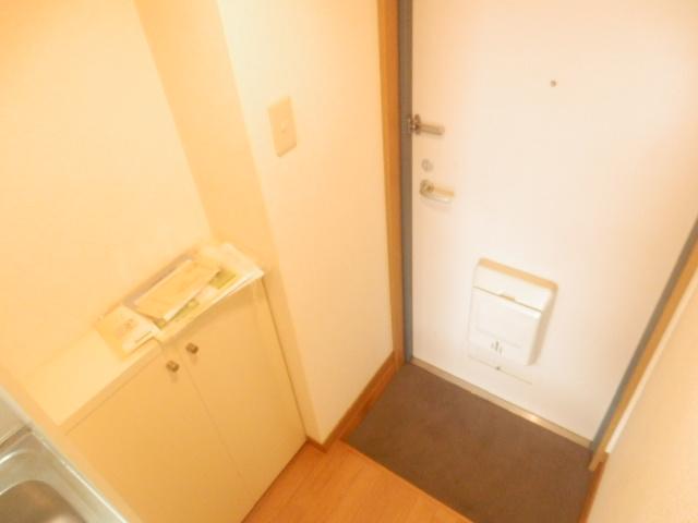 ミユキコーポ 305号室の玄関