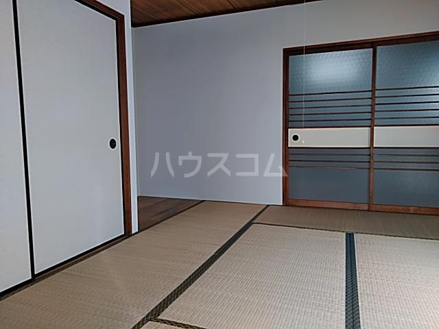 三山ハイツ 203号室の居室