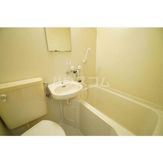 ベルシオン長沼 201号室の風呂