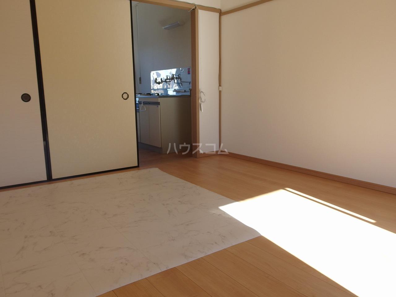Villa松原 202号室の居室