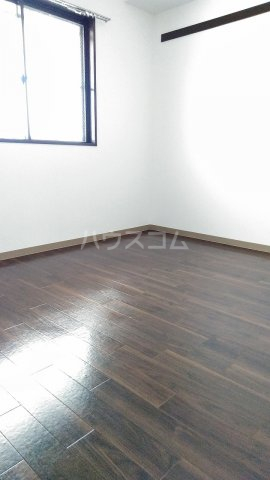 メゾンラフォーレⅡ 302号室の居室