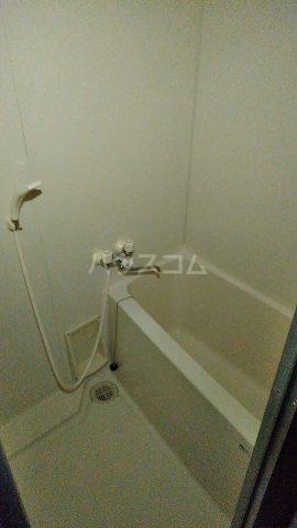 メゾンラフォーレⅡ 302号室の風呂