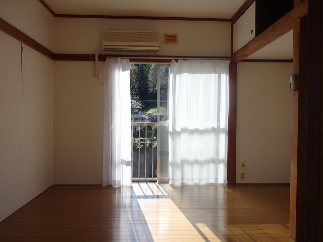 コーポ第一大木 203号室の居室