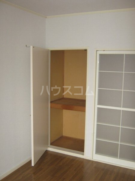 ハイツアイカ松本 102号室の収納