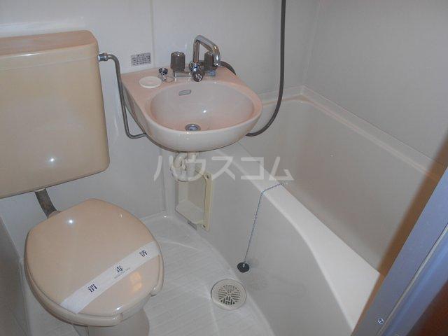 リーベル上溝 201号室の風呂