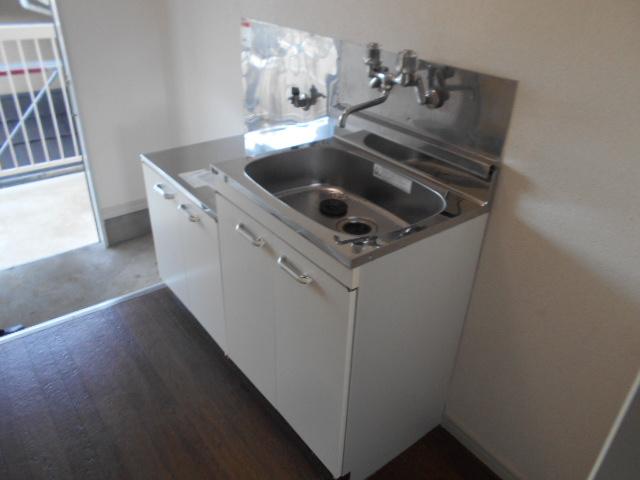メゾン コリーナ 203号室のキッチン