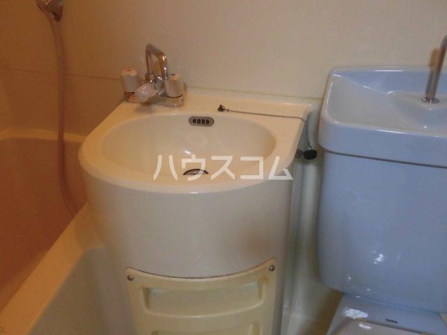 メゾン コリーナ 205号室の洗面所