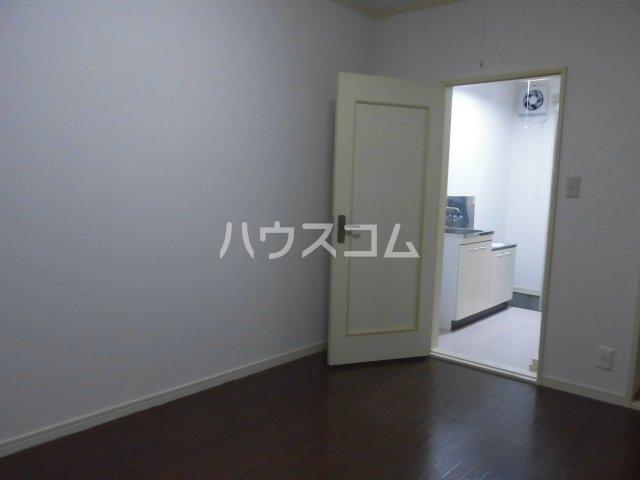 メゾン コリーナ 205号室の居室