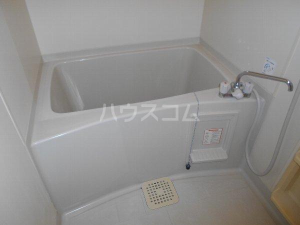 セントポーリアA A201号室の風呂