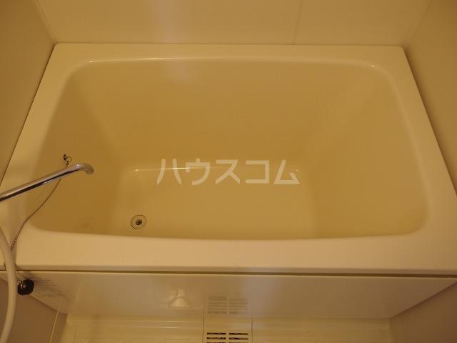 メゾン・東中野 C号室の風呂