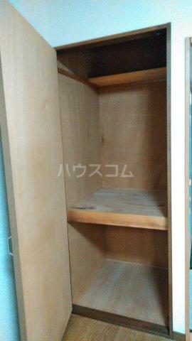 ピースフルハイツ 203号室の収納