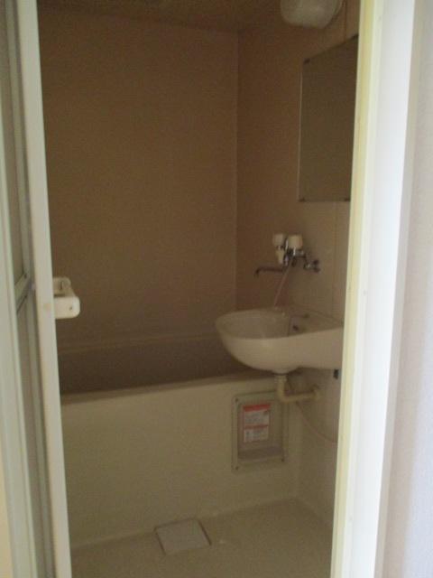 プリミエール八田 401号室の洗面所