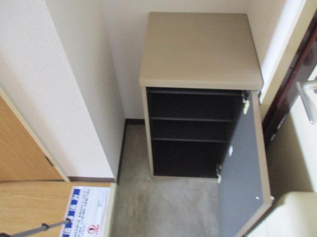 プリミエール八田 401号室の収納