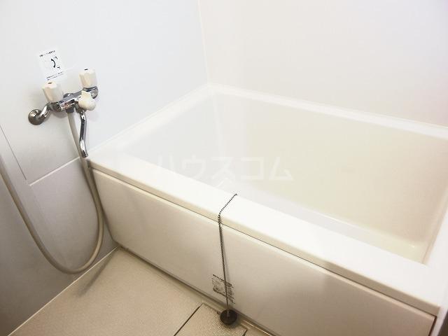 シャトーハイツ 202号室の風呂
